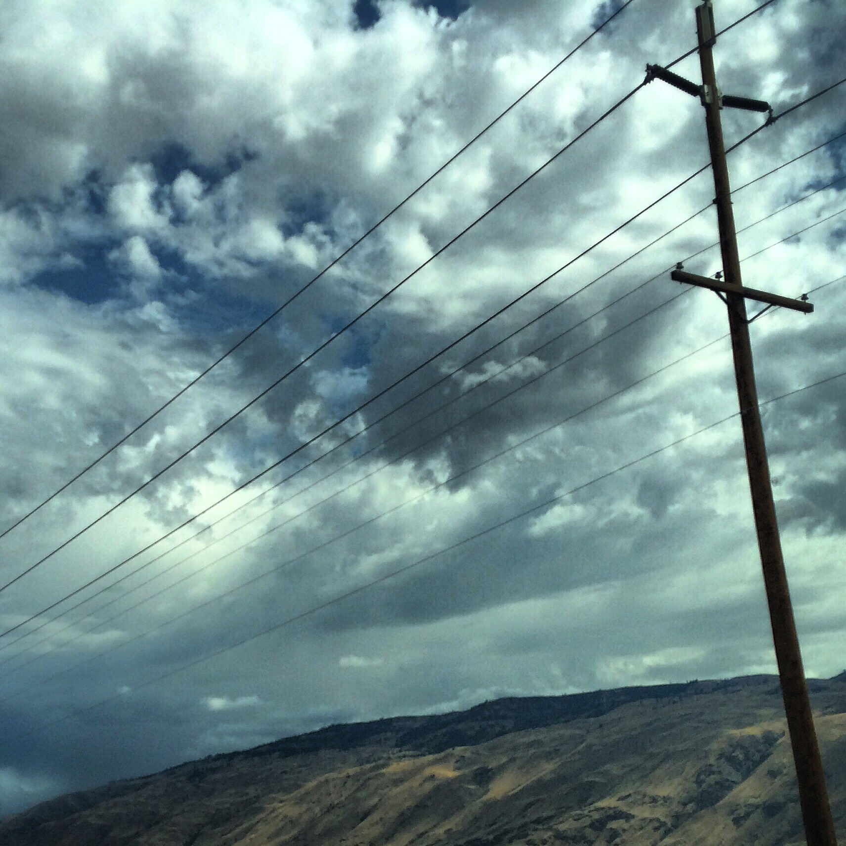 Powerlines_ChelanHills