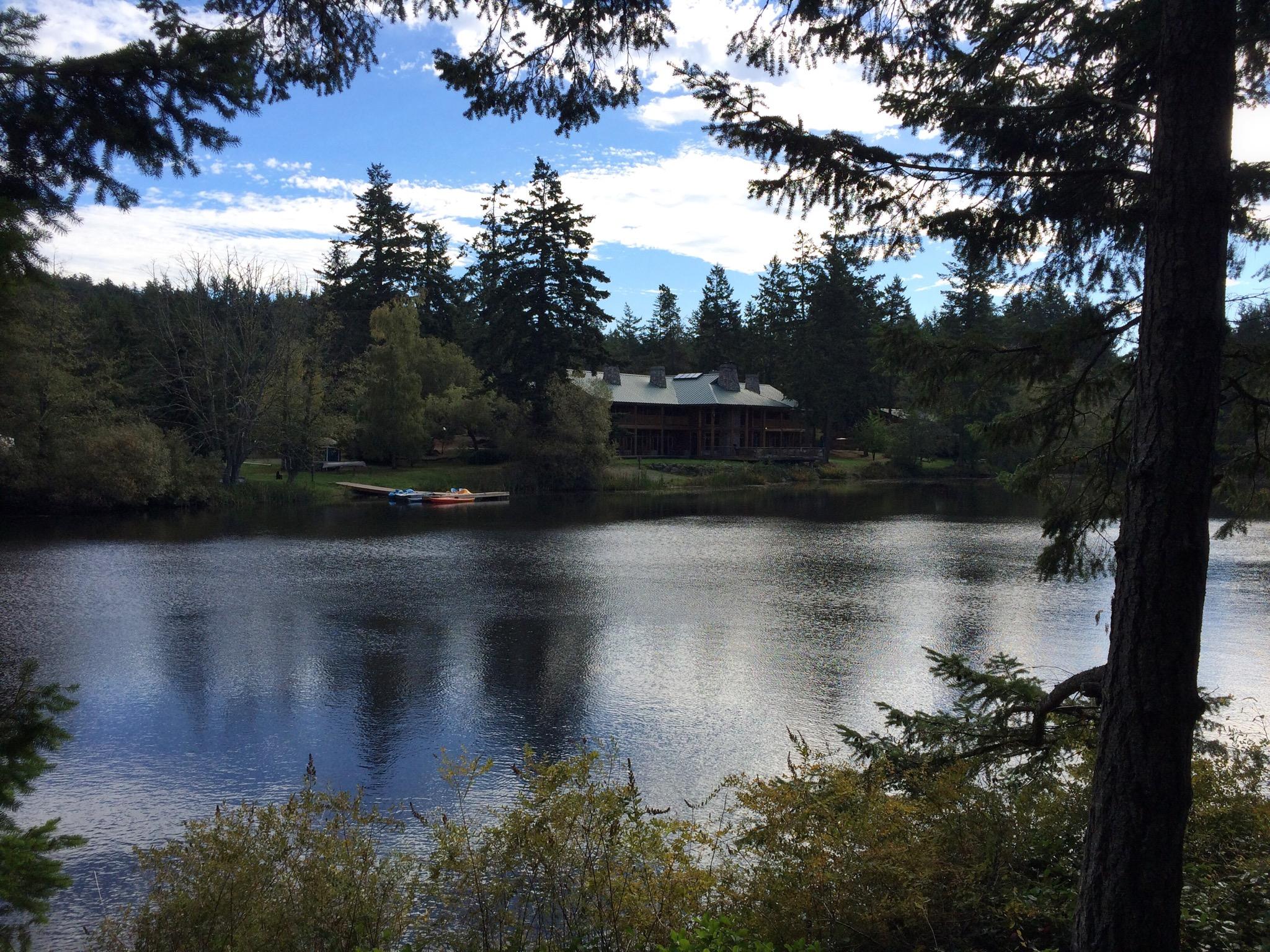 Lake_Lodge