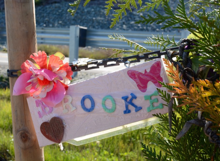 Oso_Memorial_Brooke