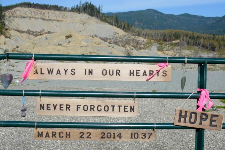 Oso_Memorial_Sign